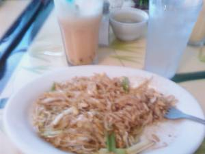 Chicken pad thai & bubble juice