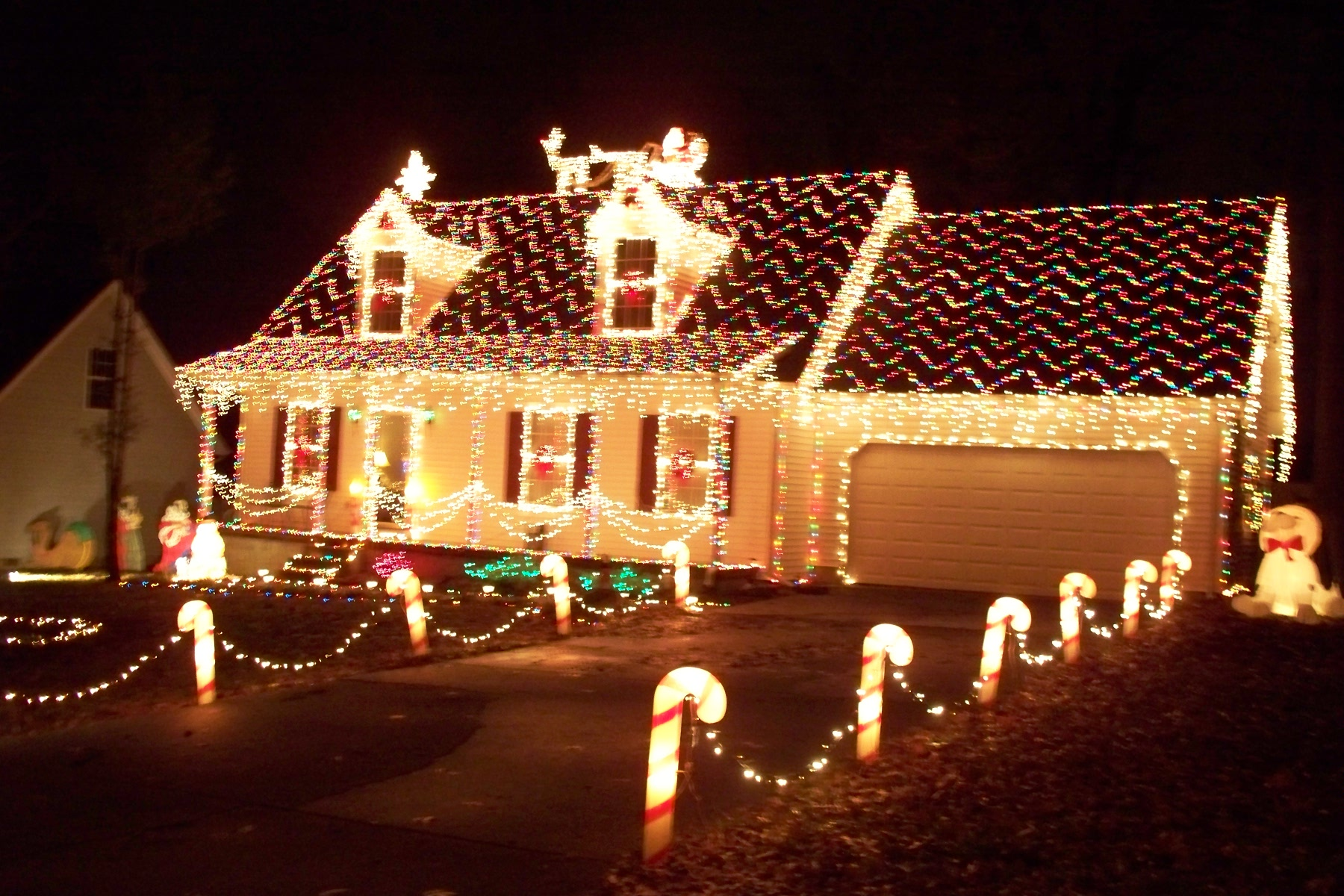 advertisements - How To Decorate Your House With Christmas Lights